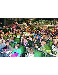 25_2013_nh_cw-04_schoolchildren_in_audience