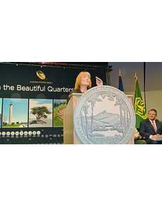 25_2013_nh_cw-07_gov_maggie_hassan