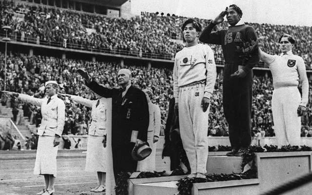 7_jesseowens_olympics_1936