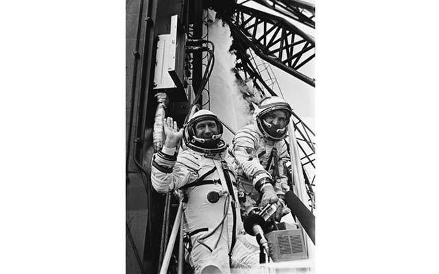 apollo-soyuz_cosmonauts