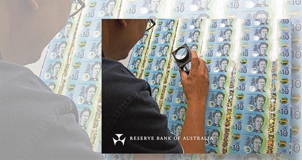 australian-10-dollar-note-inspection-lead