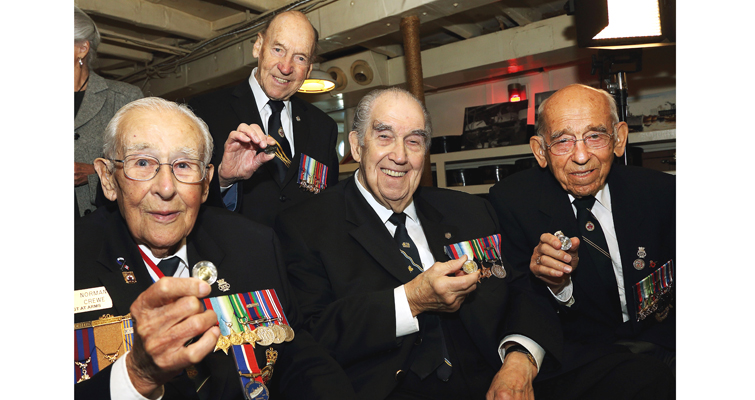 battle-of-atlantic-vets-with-coins