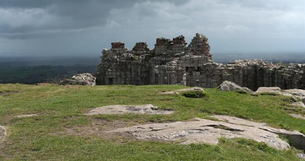 beeston-castle-ruins