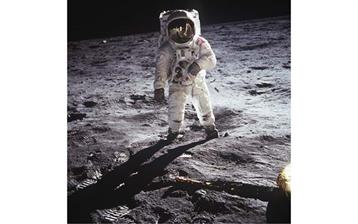 Buzz-Aldrin-on-Moon-July-1969
