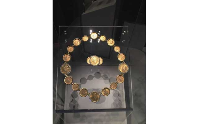 coinnecklace