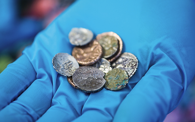 collection-of-late-iron-age-coins-found-at-reynards-kitchen-c2a9-richard-davenport-photography-1