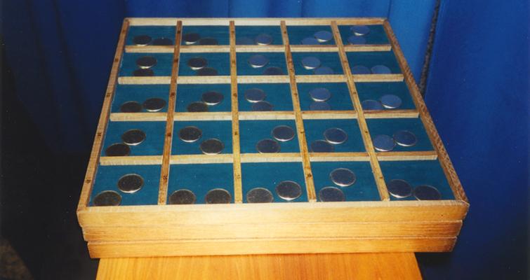 delaware-quarter-dollar-blanks-in-trays