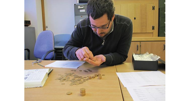 finds-liason-officer-peter-reavill-coins