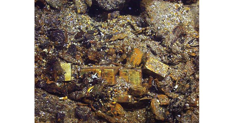 gold-bars-ocean-floor