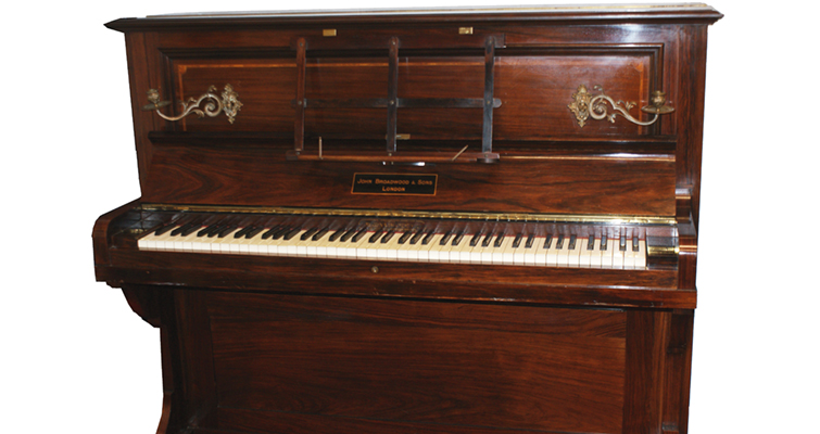 golden-piano