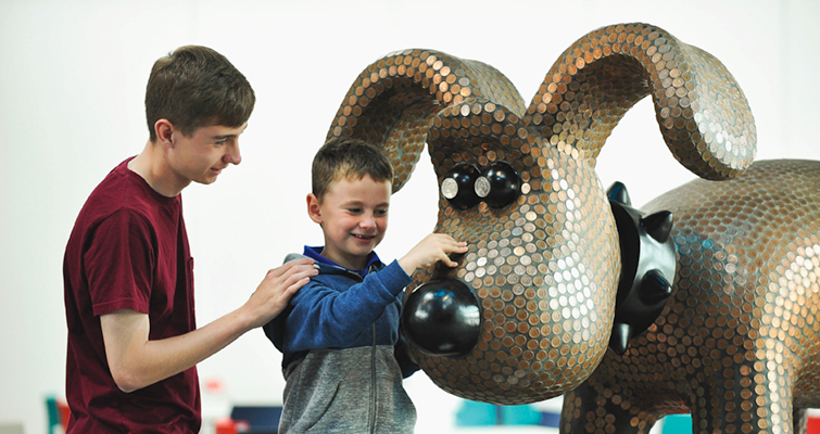 gromit-coin-statue-lead