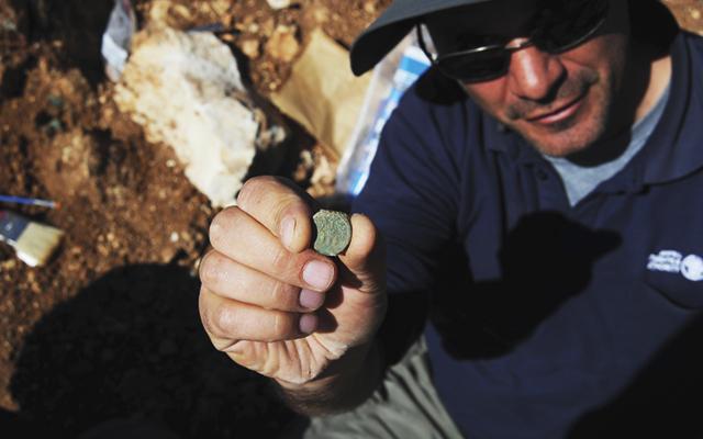israel-bronze-coin-hoard-02