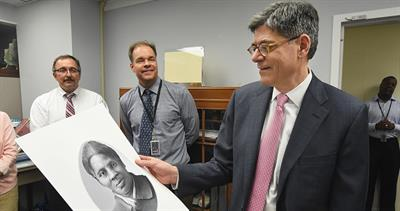 lew-looks-at-tubman-portrait-treasury-2