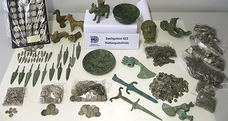 munich-show-arrests-seized-antiquities-lead