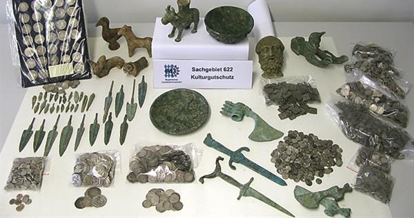 munich-show-arrests-seized-antiquities-lead