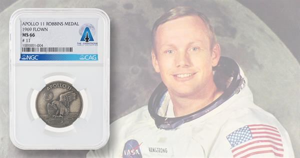 neil-armstrong-11-medal-lead