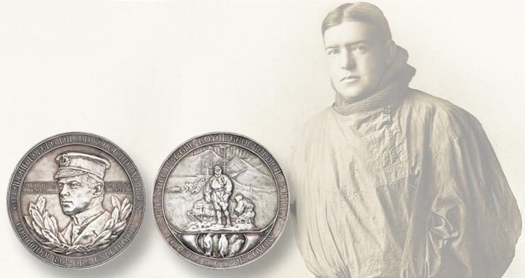 sir-ernest-shackelton-royal-geographic-society-medal-pose