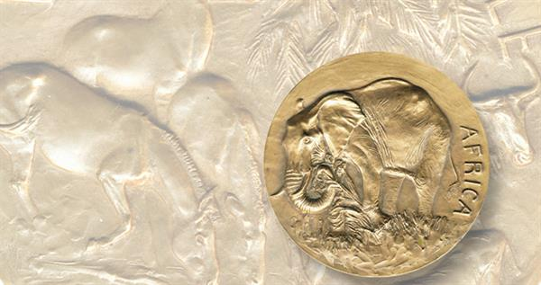 som-027-anna-hyatt-huntington-africa-medal-lead