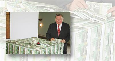 Craig Kelly and Australian 1 Trillion Dollar notes