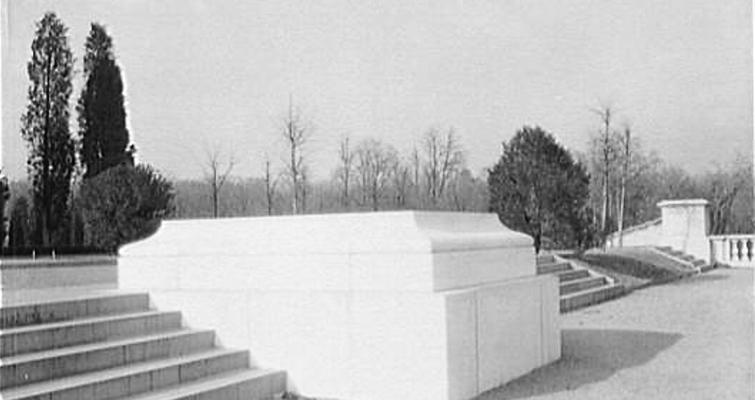 tomb-1920