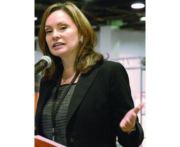 us-treasurer-rosie-rios-at-2011-ana-worlds-fair-of-money